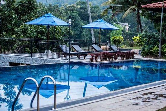 Serendip Stone Bungalow & Hotel
