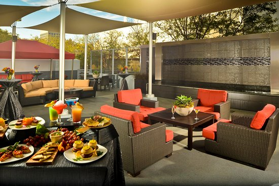 Hilton San Jose: Affinity Patio