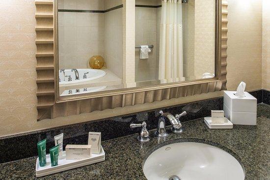 Vancouver, WA: Suite Vanity