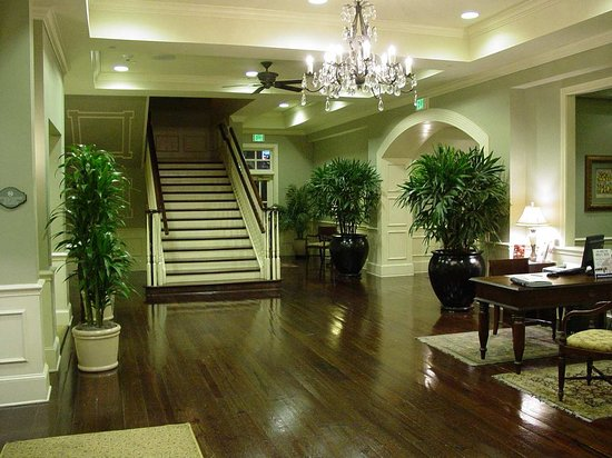Hampton Inn & Suites Savannah Historic District: Hotel Lobby