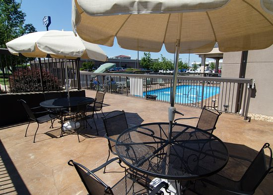 Hampton Inn St. Joseph : Outdoor Patio