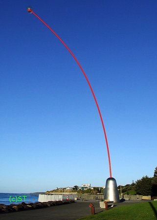 New Plymouth, New Zealand: Wind Wand on the beach