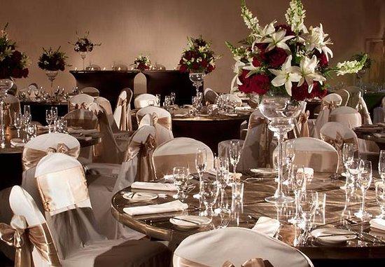 Omaha Marriott: Ballroom Wedding Reception