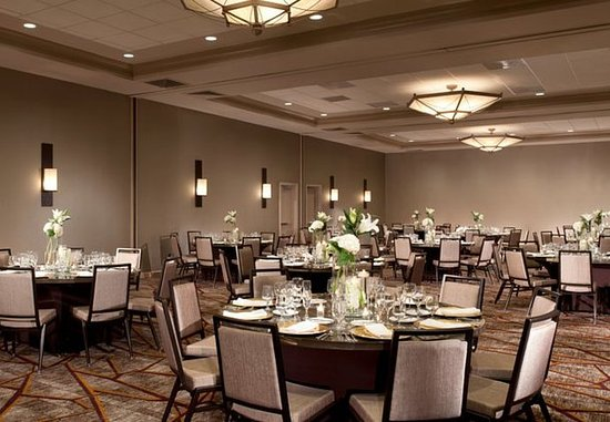 Marriott at Research Triangle Park: Ballroom – Rounds Setup