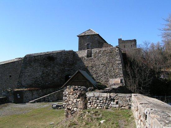 Seyne les Alpes, France: Vue du Fort Vauban de Seyne-les-Alpes
