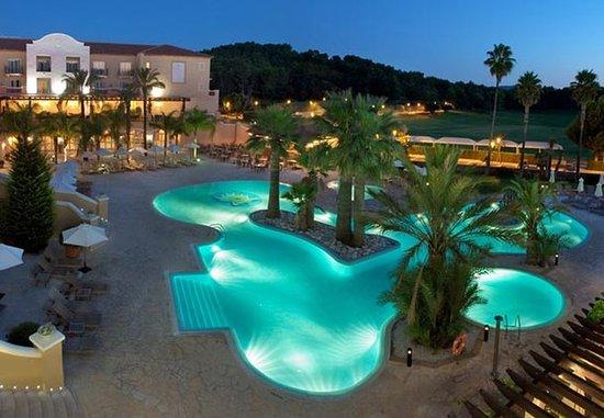 Denia La Sella Golf Resort & Spa : Poolside Exterior