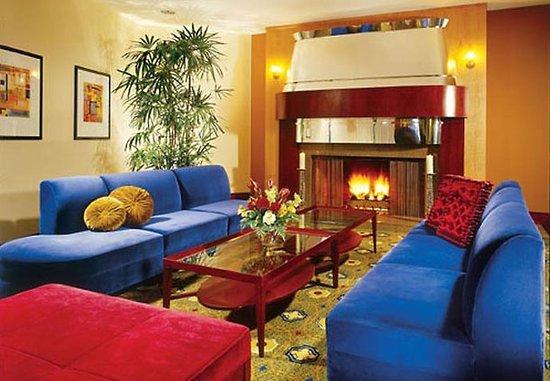 San Mateo, CA: Lobby Lounge
