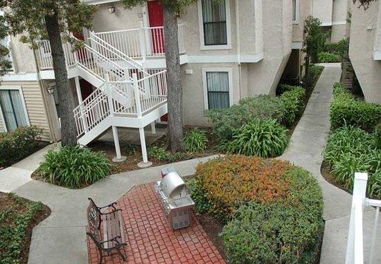 San Mateo, Kalifornia: Outdoor Courtyard
