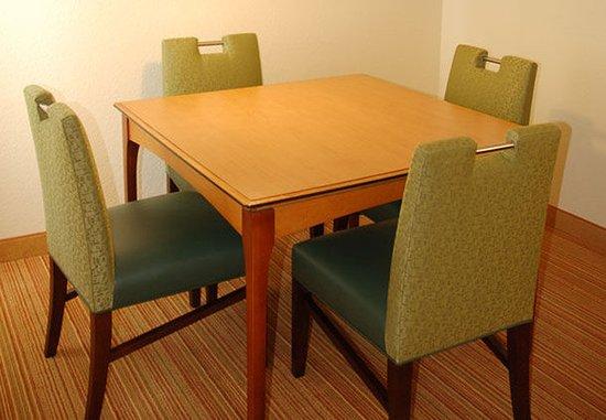 San Mateo, Kalifornia: Penthouse Suite Dining Area