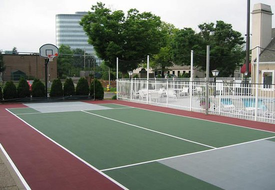 Residence Inn Louisville East: Sport Court
