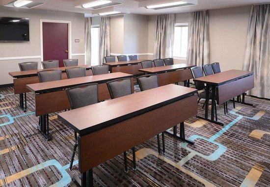 Residence Inn Dallas Market Center: Meeting Room - Classroom Setup