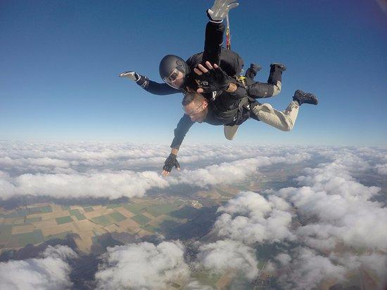 Sauter en Parachute: SAUT en parachute , sensation extrême !
