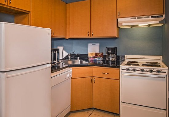 Bethesda, MD: Two-Bedroom Suite Kitchen