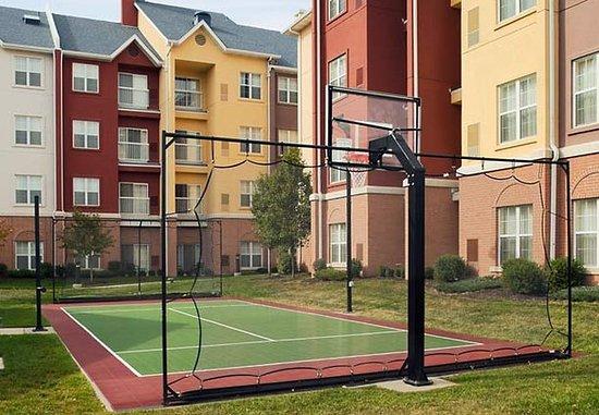 Residence Inn Kansas City Airport: Sport Court