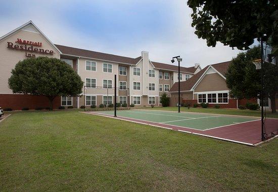 Residence Inn Tulsa South: Sport Court®