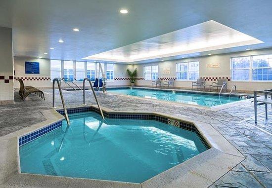 Residence Inn Boston Franklin: Indoor Pool