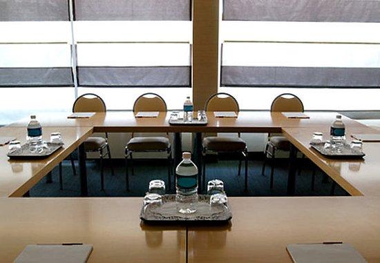 Residence Inn Montreal Westmount: Meeting Room