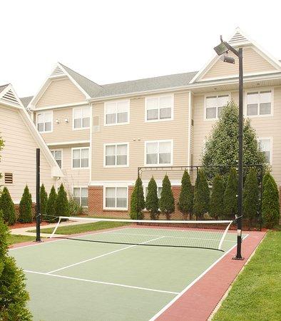 Residence Inn Holland: SportCourt