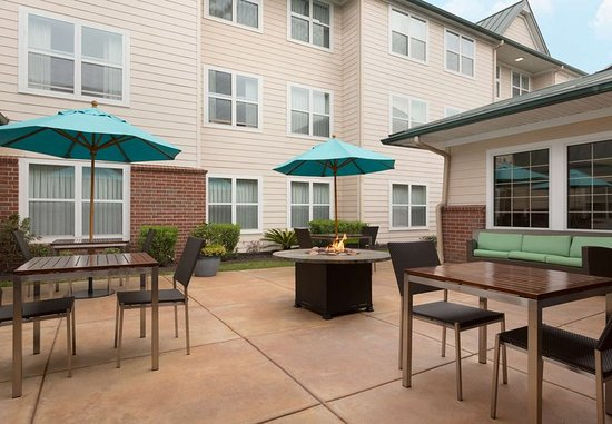 The Woodlands, TX: Outdoor Patio