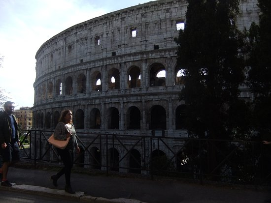 Feliz in Roma: At the end of the road from the B & B