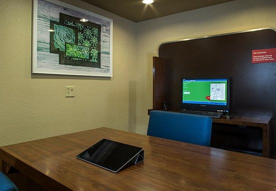 TownePlace Suites Greenville Haywood Mall: Business Center