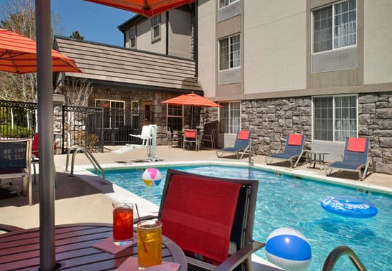 TownePlace Suites Boulder Broomfield: Outdoor Pool