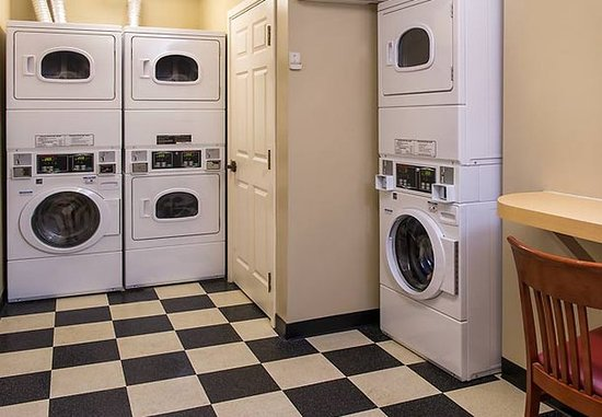 TownePlace Suites Chantilly Dulles South: Guest Laundry