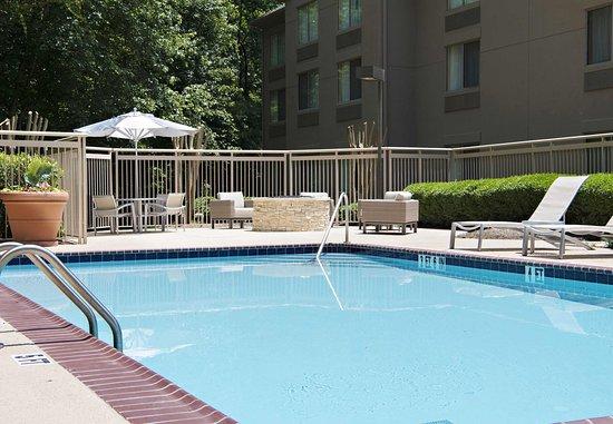 SpringHill Suites Atlanta Alpharetta: Outdoor Pool