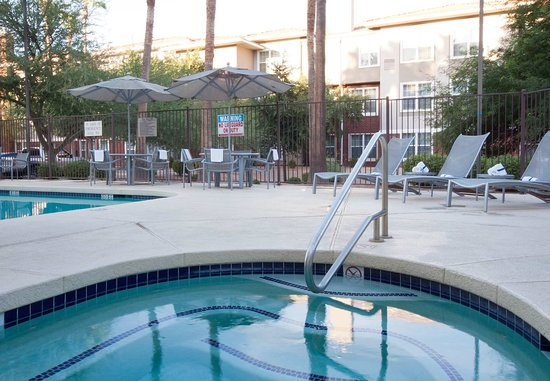 SpringHill Suites Phoenix Chandler/Fashion Center: Outdoor Whirlpool