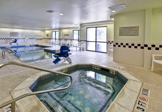 SpringHill Suites Austin Round Rock: Indoor Pool and Hot Tub