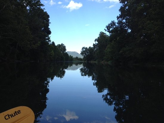 Quicksburg, VA: Kayaking on the river