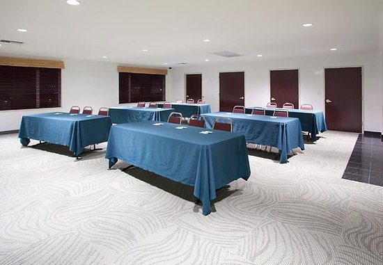 SpringHill Suites Portland Airport : Meeting Room