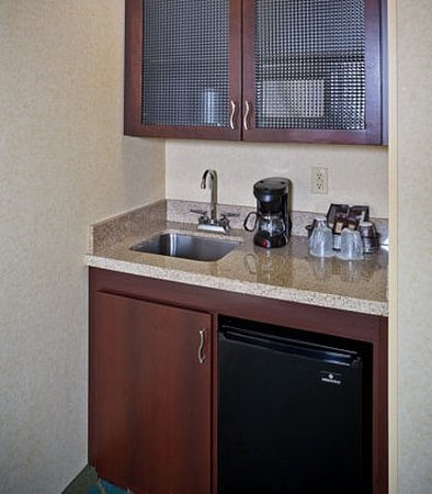 Hanover, MD: Suite Amenities