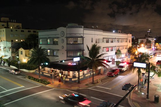 Foto The Beach Plaza Hotel
