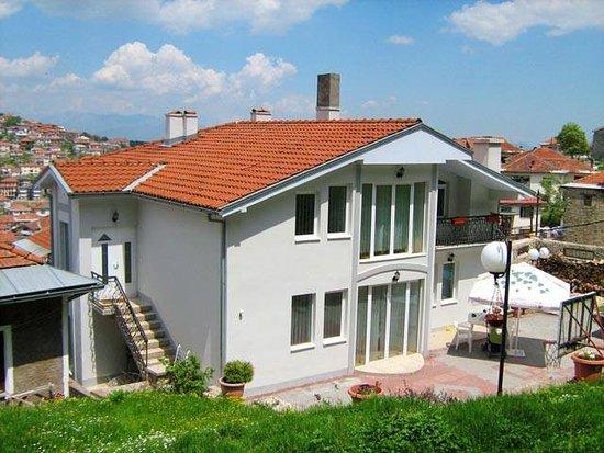 VilaGora: outdoor view