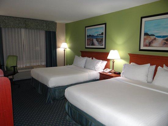 Delmar, MD: 2 Queen Bed Guest Room