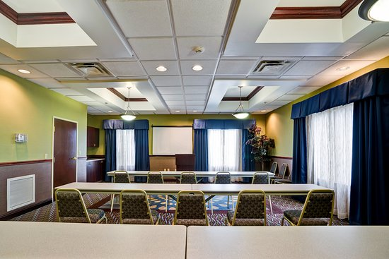 Holiday Inn Express Hotel & Suites Christiansburg: Have your meeting with us.