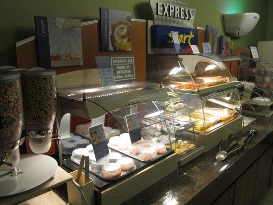 Anderson, SC: Breakfast Area
