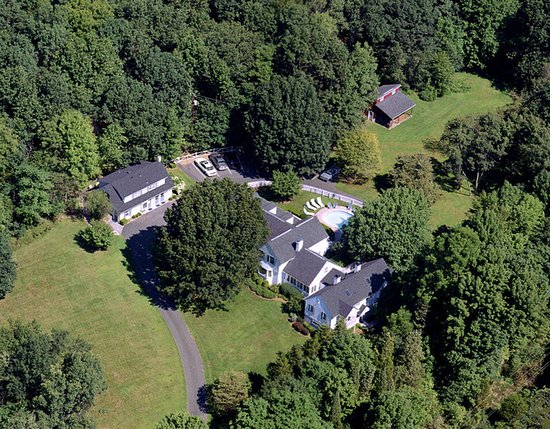 Wooden Duck B&B: Aerial View