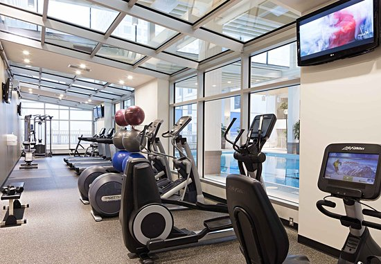 Delta Hotels by Marriott Winnipeg: Odyssey Health Club - Exercise Area