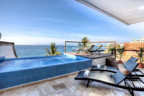 Vallarta Shores: Sky Suite D pool
