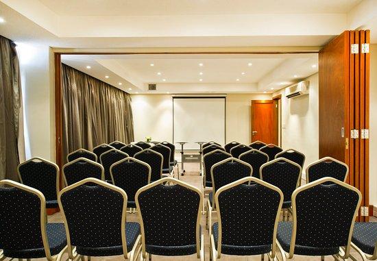 Protea Hotel by Marriott Windhoek Furstenhof: Conference Room – Classroom Setup