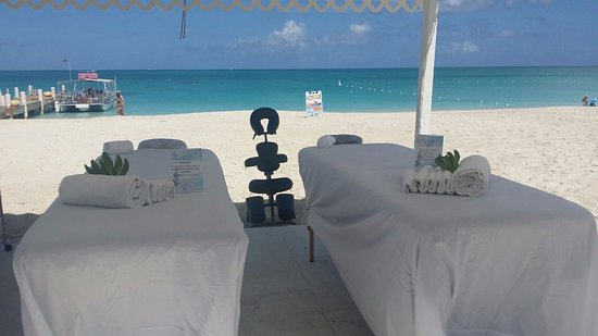 Providenciales: On the beach near Ricky's restaurant FREE pickup and drop off from any hotel