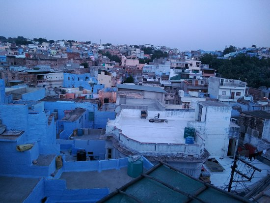 Amar Niwas Guest House & Restaurant: Old town view from terrace