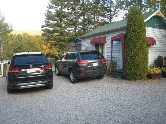 Parking et ch let 11 photo de auberge maison gagn for Auberge maison gagne tadoussac canada