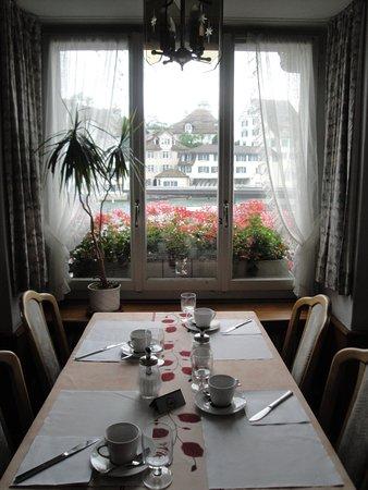 Hostel Krone: breakfast room Hotel Krone Limmatquai