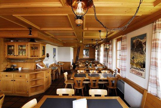 Berghaus Bort: Club-Stübli