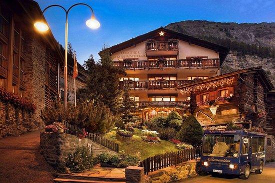 Hotel Romantica: Hotel Front