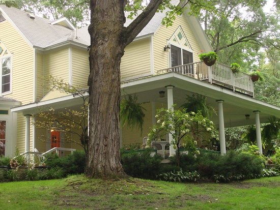 Bellaire Bed and Breakfast Photo