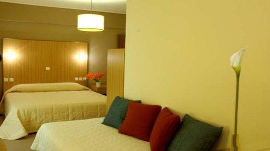 Myrto Hotel: quadruple